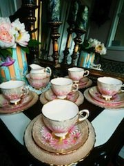 tea cups and saucers,